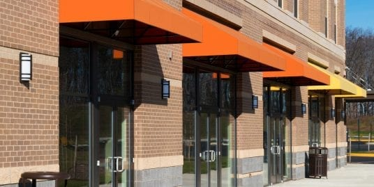 Space for lease that can be used for a commercial or retail space
